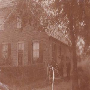 b_300_0_16777215_00_images_diversen_onbekend-huis-elma-veldboom.jpg